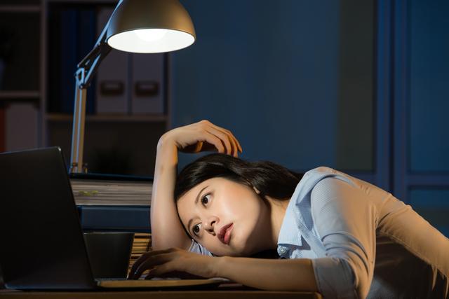 自己判断で残業して残業代を請求する社員への対応