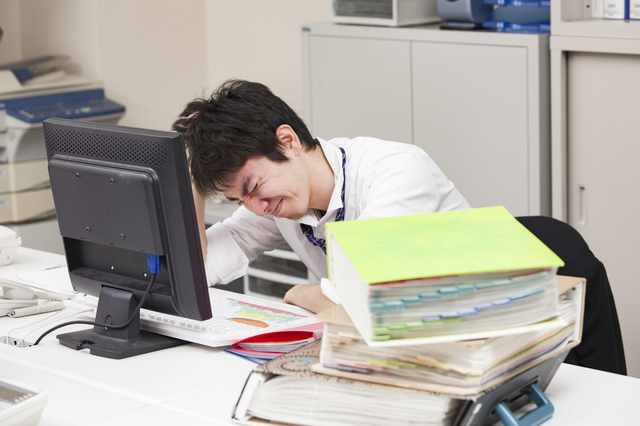 労働基準法で残業手当が割増賃金とされる理由