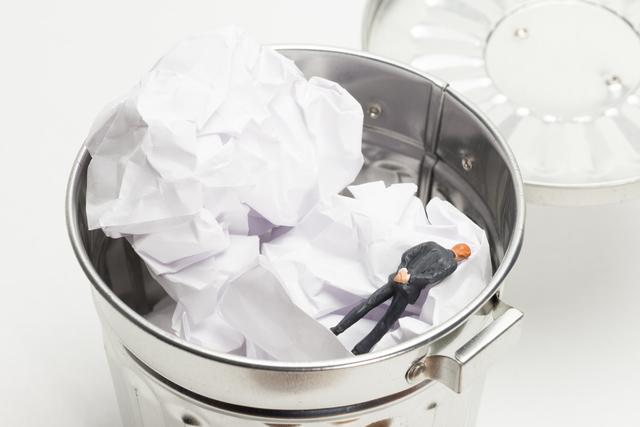 新型コロナウイルスによる収益悪化と整理解雇